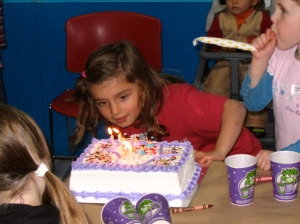 Adriana' 4th Bday to Christmas 060